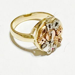 14 K Women's Ring Lucky 7